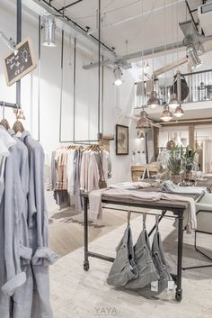Lovely colours, industrial chique. YAYA CONCEPT STORE AMSTELVEEN PHOTOGRAPHY : PAULINA ARCKLIN