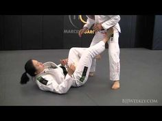 Emily Kwok - Sickle Sweep from Open Guard - BJJ Weekly #056 - YouTube