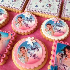 Galletas de Violetta | galletas decoradas con papel de azúcar | galletas decoradas con fondant