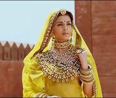 Aishwarya Rai Movies, Saree Look, Pure Beauty, Indian Dresses, Indian Beauty, Mehndi, Bollywood, Actresses, Pure Products