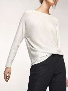 Spring summer 2017 Women´s TEXTURED WEAVE SWEATER WITH BATWING SLEEVE DETAIL at Massimo Dutti for 44.95. Effortless elegance!