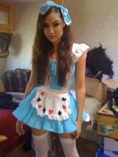 Here you can find the sexyest cosplay babes, hot cosplay girls, sexy cosplay costumes Cosplay Alice In Wonderland, Alice Cosplay, Cosplay Girls, Sexy Outfits, Girl Outfits, Cute Outfits, Halloween Disfraces, Crossdressers, Fancy Dress