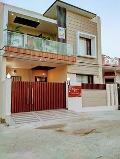 Bungalow Haus Design, Duplex House Design, House Front Design, Modern Exterior House Designs, Modern House Plans, Indian House Designs, Indian House Exterior Design, Modern Small House Design, Modern House Facades