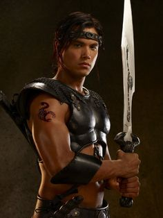 Michael Copon in The Scorpion King Rise of a Warrior Power Rangers, Michael Copon, Ancient Egyptian Clothing, Barbarian Costume, Kendall, King Costume, Dance Movies, Hunks Men, Male Makeup