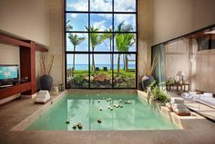 swimming pool ... interior