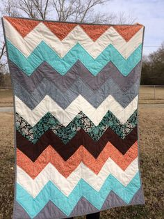 Easy quilt pattern. Chevron baby boy quilt