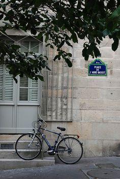Place de l'Abbé Basset, Paris