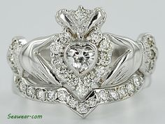 Claddagh engagement ring w/ wedding band. <3 LOVE IT.