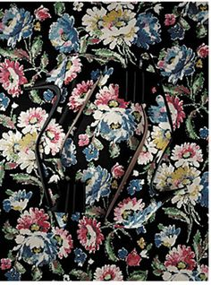 Disappearing act #FloralPrintLoves