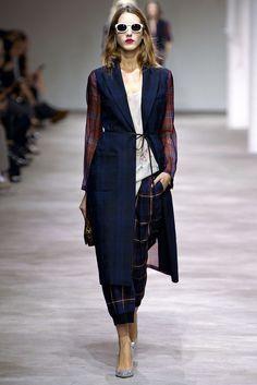 Dries Van Noten Spring 2013 Ready-to-Wear Fashion Show - Iris Egbers