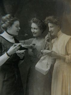 Sack Lunch 1910's  Photo,