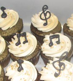 East Ridge High School Spring Choir Concert Cupcakes - the notes are hand piped chocolate :)