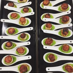 Grilled scallop on pea purée topped with crispy chorizo - definitely one of my favourite canapés 💕 #bevscatering #sydneycatering #foodie… Chorizo, Cocktail Parties, Cocktails, Zucchini, Vegetables, Food, Veggies, Essen, Cocktail