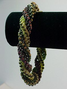Triple Spiral - no tute.  Just lovely winter colors.  #Seed #Bead #Tutorials
