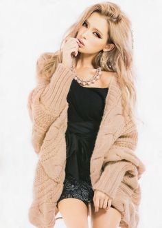 Love this cozy and comfy knitted cardi # great for winter style ❤ GG's tiny times 💋 Tall Girl Fashion, Love Fashion, Fashion Beauty, Winter Fashion, Gyaru Fashion, Harajuku Fashion, Fashion Outfits, Japanese Models, Japanese Fashion