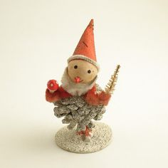 Christmas Decoration Pinecone Santa - we had one of these Antique Christmas, Vintage Christmas Ornaments, Vintage Holiday, Christmas Crafts, Pinecone Ornaments, Christmas Glitter, Christmas Snowflakes, Christmas Wreaths, Christmas Makes