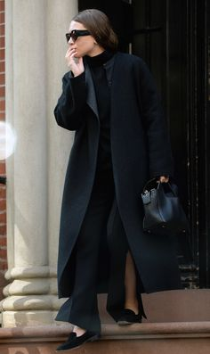 Olsens Anonymous Blog Ashley Olsen All Black Oliver Peoples The Row Sunglasses Turtleneck Contrast Coat Leather 10th Tote Side Slit Pants Suede Loafers