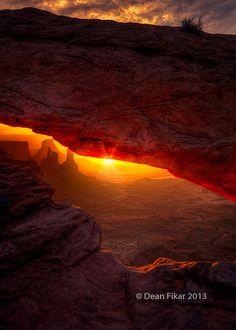 sunrise, Mesa Arch, Canyonlands National Park, Utah