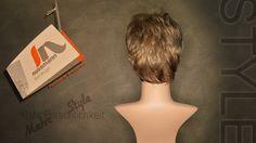 """In unserer Serie """"Perücke by nussmann"""" zeigen wir 12 ausgewählte Spitzenmodelle – exklusiv für Sie verfügbar bei fn nussmann in Bayreuth, Bahnhofstr. 12.  Modell № 12: """"Short- blonde 3"""" Wandelbare Kurzhaar für jeden Tag.  Perücke by nussmann Mein Haar. Mein Ich. www.zweithaar-nussmann.de"""