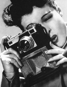Ruth Hussey holding vintage camera in 'The Philadelphia Story', directed by George Cukor, The Philadelphia Story, Leo Buscaglia, Katharine Hepburn, Cary Grant, Vintage Cameras, Vintage Photos, Vintage Photographs, Ruth Hussey, Girls With Cameras