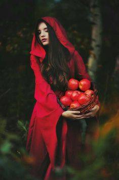 Beata Banach Surrealism Photography ~Little Red Riding Hood Fantasy Photography, Photography Photos, Fashion Photography, Fairy Tale Photography, Snow White Photography, Whimsical Photography, Magical Photography, Hair Photography, Foto Fantasy