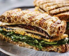 Veganes Sandwich: Lecker und nahrhaft - Sandwiches – ein Klassiker der schnellen Küche. Ironman Gewinner Brendan Brazier hat uns eine köstliche und nahrhafte Variante verraten.