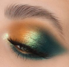 Attractive 30 Green eyeshadow makeup looks ideas Makeup Eye Looks, Creative Makeup Looks, Cute Makeup, Gorgeous Makeup, Makeup Style, Simple Makeup, Green Eyeshadow, Eyeshadow Makeup, Hair Makeup