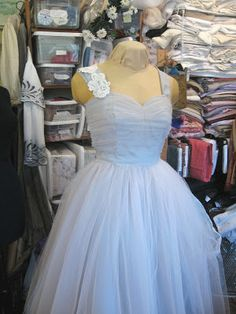Adventures in Dressmaking: Part 3 of wedding dress construction!