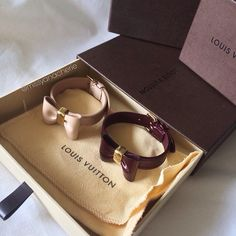 My two Louis Vuitton favorit bracelets (at Louis Vuitton) Louis Vuitton Bracelet, Frozen Dog Treats, Cute Dog Clothes, Dog Branding, Bow Bracelet, Unique Animals, Cat Collars, Dog Accessories, Beautiful Dogs
