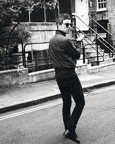 "Noel Gallagher on Instagram: ""NG @themightyi  #noelthegoodrebel #noelgallagher @greenfieldsings @levolumecourbe @ysee_ysee_onlinemusic @bussaruss @mikeyrowe100…"" Noel Gallagher, Wonderwall, Beautiful Boys, Beautiful People, Oasis, Instagram, Fashion Men, Badass, Champagne"