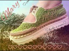 ZAPATO TEJIDO EN CROCHET - MODELO EFTHALY - YouTube Crochet Sandals, Crochet Boots, Crochet Slippers, Knit Shoes, Sock Shoes, Slip On Shoes, Crochet For Kids, Crochet Baby, Homemade Shoes