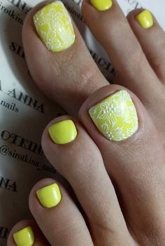 Charming Toe Nails Designs picture 1
