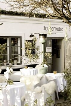 Incredible Restaurant Hotel - Everything is a piece of Art! Taubenkobel - Relais Châteaux - Austria - Neusiedlersee by Vienna Restaurant, Vienna, Sailing, Art Pieces, The Incredibles, Table Decorations, Vacation, Business