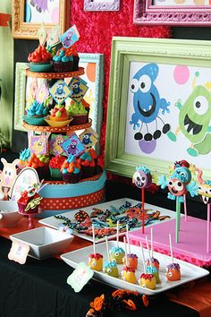 And Everything Sweet: Monster Bash!!!- Her cupcakes and handsewn monsters are so very cute!