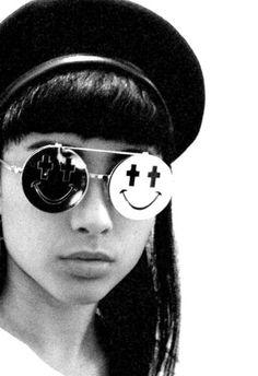 c7c8930ec1 JUST SMILE    Singer Natalia Kills wearing Jeremy Scott by Linda Farrow  Gallery sunglasses.