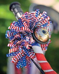 Decorate your handle bars for a fun #Patriotic #Parade #DIY #Kids