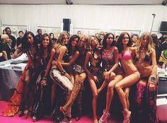 Victorias Secret Models, Victoria Secret Fashion Show, Fashion Shows 2015, Fashion Week, Fashion Models, Street Fashion, Ellie Goulding, Vs Models, Victoria Secret Angels