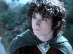 """"""" Just wanted to post this beautiful pic of Elijah as Frodo Baggins in Lord Of the Rings """""""