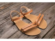 Minimalist Sandals: 4 Things to Look For | Earth Runners