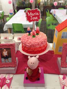 Peppa Pig roses cake.
