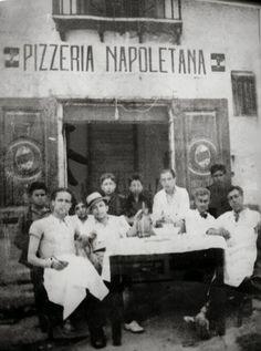 A Italian picture of Pizzeria Napoletana. Vintage Pictures, Old Pictures, Old Photos, Vintage Italy, Look Vintage, Napoli Italy, Italy Italy, Vintage Italian Posters, Expo Milano 2015