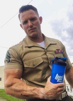 The Three Hottest Men: Cops, Firemen, And Military : Photo Cop Uniform, Men In Uniform, Sexy Military Men, Fall Hair Cuts, Hot Cops, Hunks Men, Police, Muscle Hunks, Muscular Men