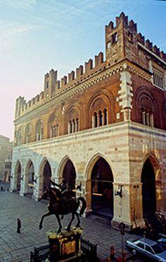 Palazzo Gotico Piacenza, Province of piacenza , Emilia Romagna region Italy Cities In Italy, Places In Italy, Regions Of Italy, Italy Vacation, Italy Travel, Italy Trip, Pompeii And Herculaneum, Best Of Italy, Living In Italy