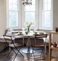 pedestal table + nook