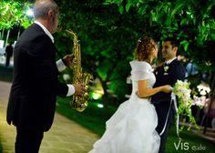 #matrimonio #wedding #weddingpuglia #smile #weddingmasseria #lucagiovanni #visstudio #grottaglie #francavillafontana #tenutalucagiovanni #matrimoniosalento #cerimonia #love #sorriso #felicità #happines #ballosposi #sax #giardino