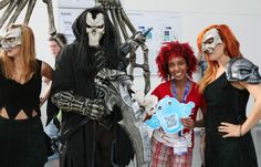 Gamescom Cosplay. If you know the name of these characters, comment here ;)