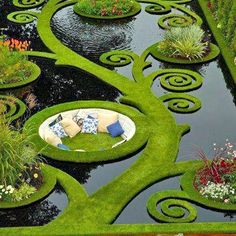 This is pretty cool looking: Dream Garden. Gold medal garden at the Ellerslie Flower Show by Ben Hoyle, Blue Gecko ~ french grassed parterre floating over still black waters - New Zealand Dream Garden, Garden Art, Garden Nook, Big Garden, Narrow Garden, Corner Garden, Garden Whimsy, Family Garden, Garden Cottage