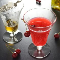 Impress your friends and raise some eyebrows when you serve this decadent sweet and seasonal Sour Cherry Absinthe Cocktail. Beer Cocktail Recipes, Summer Cocktails, Cocktail Bitters, Cocktail Drinks, Party Drinks, Fondue Party, Sour Cherry, Non Alcoholic Drinks, Beverages