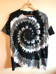 Bleach Tie Dye Discover Tie Dye Shirt Black & White Boho Hippie T-Shirt Mens Womens Top Diy Tie Dye Shirts, Diy Shirt, Diy Tank, Boho Hippie, Bohemian Style, Tie Dye Designs, Shirt Designs, Camisa Tie Dye, Festival Mode
