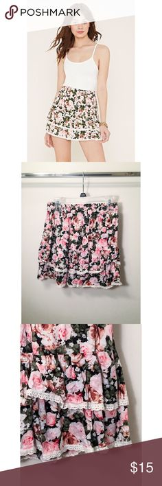 Forever 21 Floral Print Tiered Skirt Forever 21 skirt 🍑 size small 🍑 100% rayon 🍑 worn several times, in good condition 🍒 this skirt does wrinkle easily. Not looking to trade. Forever 21 Skirts Mini